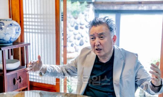 """김영환 """"관철동 중고서점, `문빠`의 성지로 기억될 것"""""""
